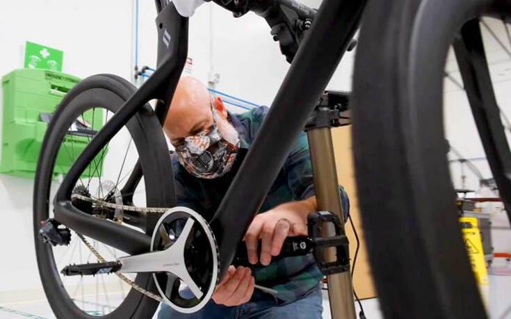 Δεν είναι ένα απλό ποδήλατο, αλλά το πιο εξελιγμένο ποδήλατο όλων των εποχών