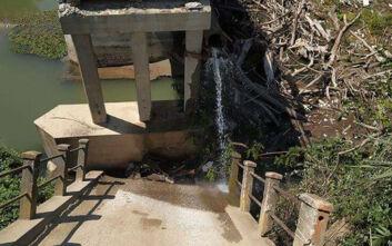 Κατέρρευσε μεγάλο τμήμα γέφυρας στις Σέρρες - Δείτε εικόνες