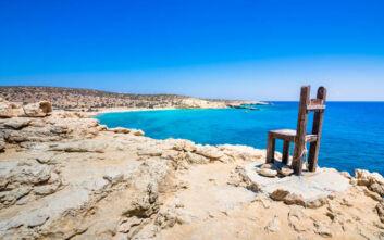 Τρυπητή: Η παραλία με την διάσημη καρέκλα και τη θέα από το νοτιότερο σημείο της Ευρώπης