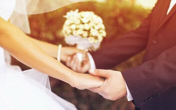 Γάμοι με εννέα άτομα στην Αττική και τέρμα οι συναυλίες για δύο εβδομάδες
