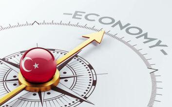 Σε τεντωμένο σχοινί η τουρκική οικονομία: Αναζωπυρώνονται οι πιθανότητες εμπλοκής σε μια συναλλαγματική κρίση