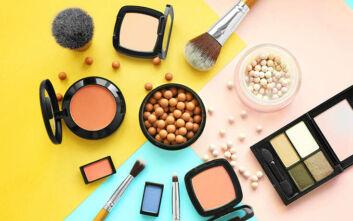Πώς να κάνετε το μακιγιάζ σας για να φαίνεστε νεότερες