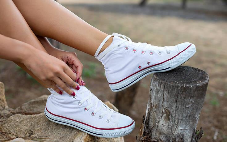 9 λευκά sneakers που μπορείς να φοράς όλο το καλοκαίρι