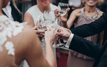 Κρήτη: Αρραβώνας με 40 καλεσμένους εν μέσω κορονοϊού - Η μέλλουσα νύφη είναι αστυνομικός