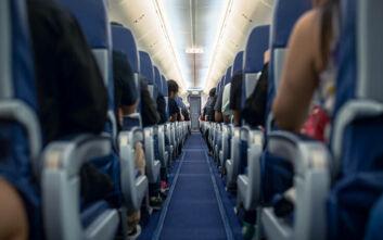Πτήση εκκενώθηκε επειδή κοριτσάκι 2 χρονών δεν ήθελε να φορέσει τη μάσκα του