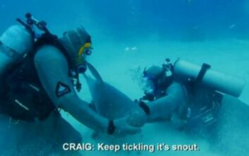 Ο Μάικ Τάισον κολύμπησε με καρχαρία για να ξεπεράσει το φόβο του