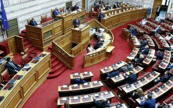 Σύγκρουση Μητσοτάκη - Τσίπρα στη Βουλή για την πανδημία