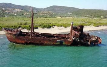 Ναυάγιο Δημήτριος: Το πλοίο «φάντασμα» που καθηλώνει τους περαστικούς στο Γύθειο