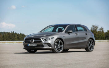 Οι υβριδικές Mercedes Α250 ehatchback & A250 eSedan