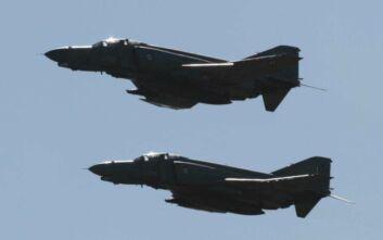 Μαχητικά αεροσκάφη πέταξαν πάνω από την κηδεία φωτογράφου στην Πάτρα