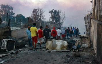 Φωτιά στη Μόρια: Σχοινάς, Γιόχανσον και Λέναρσιτς ενημέρωσαν το Σώμα των Επιτρόπων