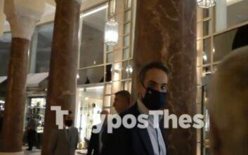 Μητσοτάκης σε δημοσιογράφους: Γιατί δεν φοράτε μάσκες;