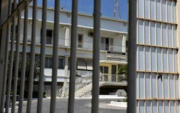 Έφοδος στις φυλακές Κορυδαλλού: Κινητά, αυτοσχέδια μαχαίρια και ναρκωτικά σε κελιά μελών τρομοκρατικών οργανώσεων