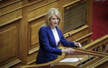 Ο ΣΥΡΙΖΑ επέπληξε την Τζάκρη για τους πρωτοφανείς χαρακτηρισμούς κατά του πρωθυπουργού