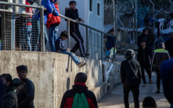 Ανήλικοι αιτούντες άσυλο συνελήφθησαν στη Σάμο για φωτιά από αμέλεια