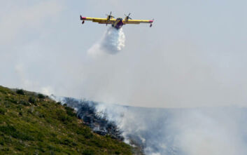 Σε ύφεση οι φωτιές στις περιοχές Κουταλάς της Κορινθίας και Μόβρης της δυτικής Αχαΐας