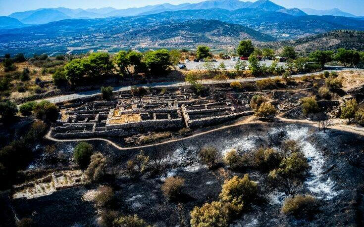 Φωτιά στις Μυκήνες: «Η κανονικότητα επανήλθε» λέει το υπουργείο Πολιτισμού