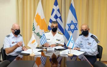 Έπεσαν οι υπογραφές για την τριμερή στρατιωτική συνεργασία Ελλάδας - Κύπρου - Ισραήλ