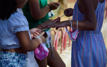 Η ΚΕΔΕ «αδειάζει» το υπουργείο Υγείας για τις μεγάλες μάσκες στα σχολεία: Δεν υπήρξε «παρεξήγηση», εφαρμόσαμε οδηγίες που λάβαμε