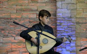 Ο 12χρονος μουσικός από τη Χαλκιδική που μέσα σε δύο χρόνια έγραψε βιβλίο για το ούτι