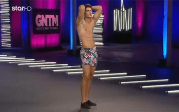 GNTM 3: Ενθουσιάστηκε η Βίκυ Καγιά με τον εμποροπλοίαρχο - «Έχεις αφοπλιστική αρχαία ελληνική ομορφιά»