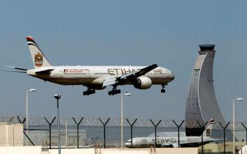 Με συσκευή εντοπισμού στην καραντίνα τους οι επιβάτες διεθνών πτήσεων που φτάνουν στο Άμπου Ντάμπι