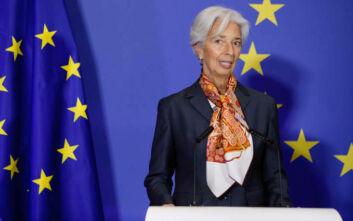 Μικρότερη ύφεση για φέτος προβλέπει η ΕΚΤ