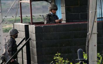 Στρατιωτικοί της Βόρειας Κορέας σκότωσαν Νοτιοκορεάτη και έκαψαν το πτώμα του