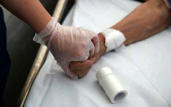 ΕΟΔΥ: 240 κρούσματα σήμερα στην Ελλάδα – Τέσσερις νέοι θάνατοι