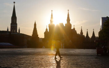 Ραγδαία και επικίνδυνη αύξηση κρουσμάτων στη Ρωσία