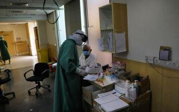 Μεγάλη αύξηση των ανθρώπων που μπαίνουν σε νοσοκομεία λόγω κορονοίού στη Μόσχα