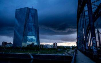 EKT: Η ανάπτυξη στην ευρωζώνη θα είναι πιθανόν αρνητική το δ' τρίμηνο - Πολύ πιθανό να κερδίσει ο Μπάιντεν