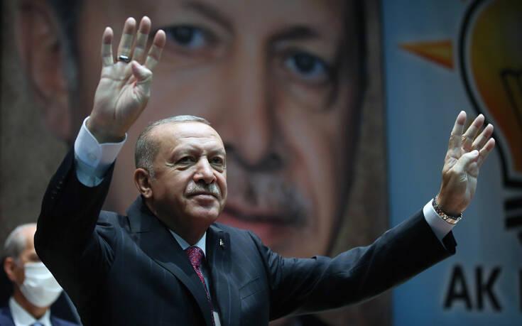 Συνεχίζει επιθετικά ο Ερντογάν: Βάζουν μπροστά μας ένα κράτος που, σε όλη την ιστορία του, κρύβεται πίσω από άλλες χώρες
