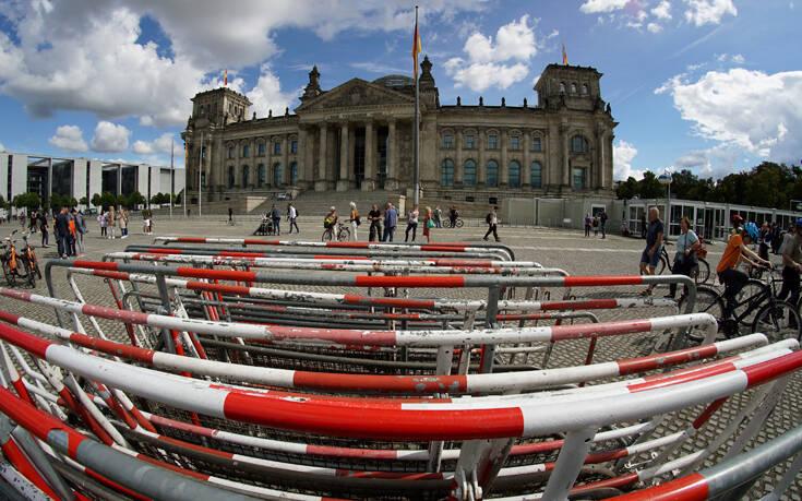 Παραλύει ο δημόσιος τομέας στη Γερμανία – Απεργίες σε νοσοκομεία, παιδικούς σταθμούς, τράπεζες