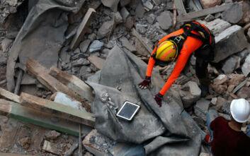 Ίχνη ζωής στα χαλάσματα της Βηρυτού, έναν μήνα μετά την πολύνεκρη έκρηξη - Φωτογραφίες από τις δραματικές έρευνες