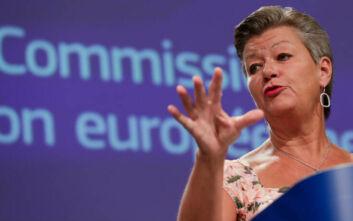 Επίτροπος Εσωτερικών Υποθέσεων για Μόρια: Προτεραιότητα η ασφάλεια και η στέγη των ανθρώπων