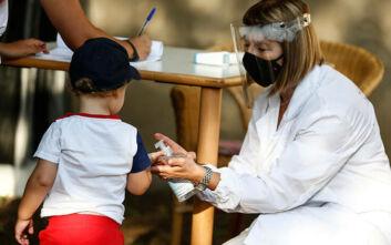 Εθελοντές για την αντιμετώπιση του κορονοϊού αναζητά το υπουργείο Υγείας