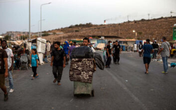 Ολλανδοί ακτιβιστές έστειλαν αεροπλάνο για να πάρει πρόσφυγες από τη Μυτιλήνη