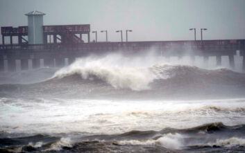 Ο κυκλώνας Σάλι πλήττει τις νοτιανατολικές ακτές της Αμερικής - Σε κατάσταση έκτακτης ανάγκης η Φλόριντα