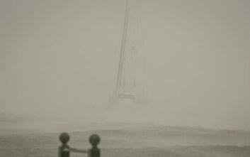 Κακοκαιρία Ιανός: Σφοδρό το πέρασμα του κυκλώνα από το Ιόνιο – Σκάφη βυθίστηκαν στη Ζάκυνθο