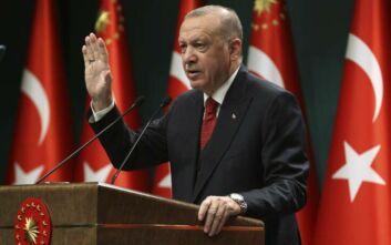 Νέες προκλητικές δηλώσεις από τον Ερντογάν: Θα συνεχίσουμε να υπερασπιζόμαστε τη «Γαλάζια Πατρίδα»