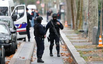 Επίθεση σε πολίτες με ματσέτα κοντά στα παλιά γραφεία του Charlie Hebdo στο Παρίσι – Αρκετοί τραυματίες