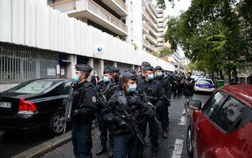 Επίθεση στο Παρίσι: Δημοσιογράφοι οι δυο βαριά τραυματίες - Μία σύλληψη και ένας ύποπτος υπό κράτηση