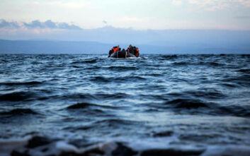 Μετανάστες που διασώθηκαν από πλοίο ΜΚΟ έπεσαν στη θάλασσα για να φτάσουν κολυμπώντας στη Σικελία