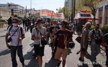 Ξανά στους δρόμους οι καλλιτέχνες- Διαμαρτυρία για τα νέα μέτρα της κυβέρνησης