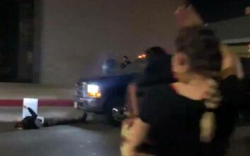 Λος Άντζελες: Μαινόμενος οδηγός χτυπά τουλάχιστον έναν σε διαδήλωση για την Μπριόνα Τέιλορ