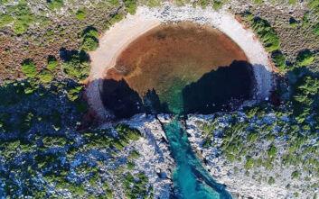 Η άγνωστη «δίδυμη» παραλία της Βοϊδοκοιλιάς στη Μεσσηνία
