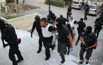 Κουκάκι: Στον εισαγγελέα οι συλληφθέντες για τη γιάφκα - Τι ψάχνει η αστυνομία