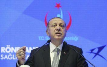 Πολίτης παραπονέθηκε στον Ερντογάν πως δεν έχει να φάει και εκείνος... του έδωσε τσάι