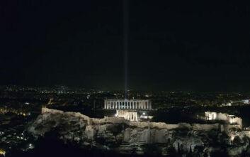 Πιο λαμπερή από ποτέ η Ακρόπολη σκορπά την ακτινοβολία της σε όλο τον κόσμο - Δείτε εικόνες από την φωταγώγησή της